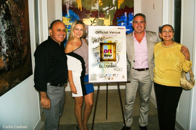 German Chaves Director en Elite Fine Art Galleries , los empresarios Dorota Baginska y  Gustavo Sperman duenos de Miami Dreams properties , and Maria A Napoles.